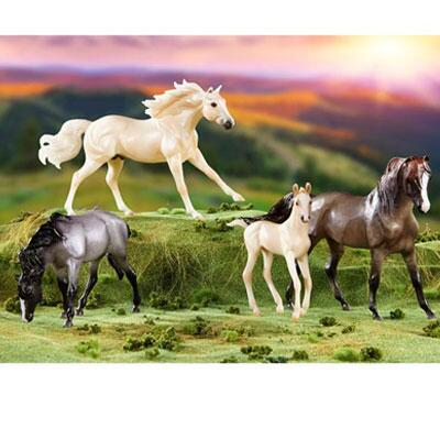 Breyer Classics Clouds Encore Gift Set