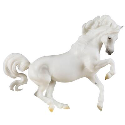 Breyer Traditional Banks Vanilla - Connemara