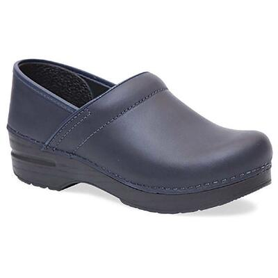 Professional Oiled Leather Blueberry Stapled Ladies Clog