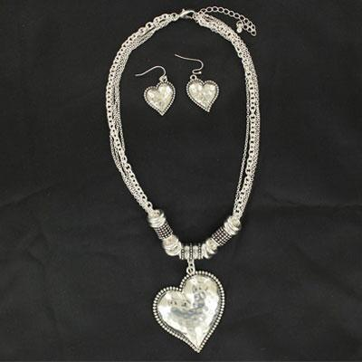 Blazin Roxx Hammered Heart Jewelry Set